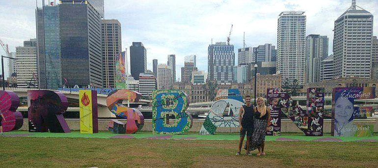 Pauli and me posing with the Brisbane sign